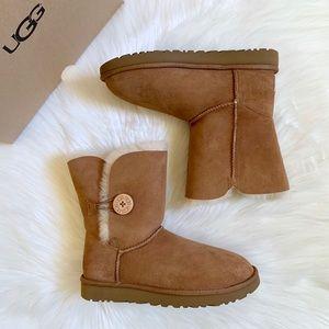 UGG Chestnut Bailey Button II Boots